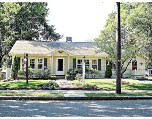 13 Lawrence Rd, Reading, MA 01867