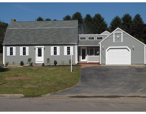 Single Family Home for Sale at 8 Bridle Road Bridgewater, Massachusetts 02324 United States