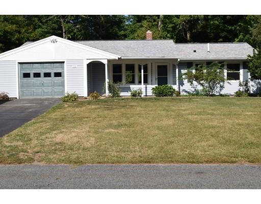 Casa Unifamiliar por un Venta en 111 Sully Road Raynham, Massachusetts 02767 Estados Unidos