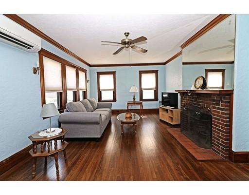 واحد منزل الأسرة للـ Sale في 152 Quincy Avenue Winthrop, Massachusetts 02152 United States