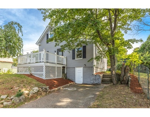 8 Brooklyn St, Tyngsborough, MA 01879