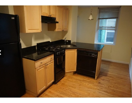 Additional photo for property listing at Hanover #2 Hanover #2 Boston, Массачусетс 02113 Соединенные Штаты