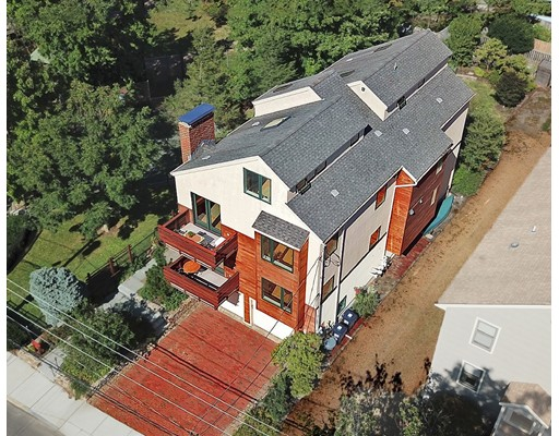 Многосемейный дом для того Продажа на 107 Larch Road 107 Larch Road Cambridge, Массачусетс 02138 Соединенные Штаты