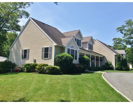 Casa Unifamiliar por un Venta en 59 Point Of Pines Avenue 59 Point Of Pines Avenue Barnstable, Massachusetts 02630 Estados Unidos