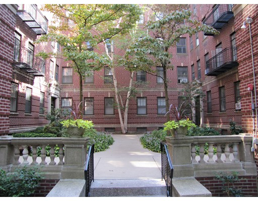 36 Linnaean Street 11, Cambridge, MA 02138