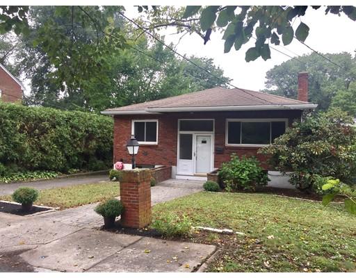 Einfamilienhaus für Verkauf beim 102 Parklawn Road Boston, Massachusetts 02132 Vereinigte Staaten