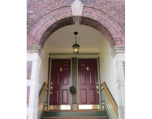4 Fort Ave 3, Boston, MA 02119