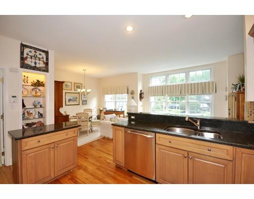 独户住宅 为 销售 在 8 Alder Way 8 Alder Way 贝德福德, 马萨诸塞州 01730 美国
