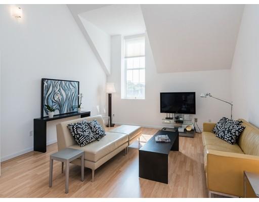 独户住宅 为 出租 在 408 Lebanon Street 梅尔罗斯, 马萨诸塞州 02176 美国