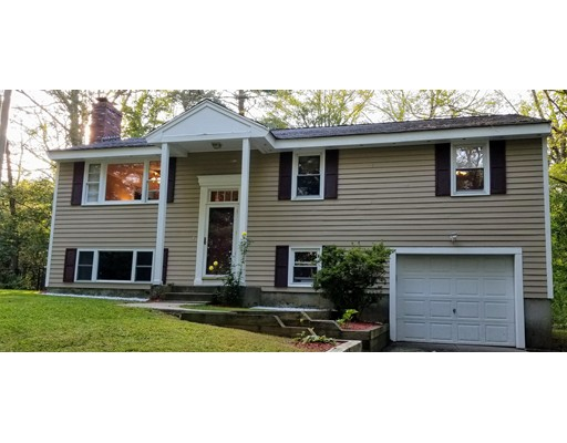 Casa Unifamiliar por un Venta en 182 Spring Street Hopkinton, Massachusetts 01748 Estados Unidos