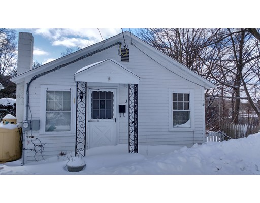 Single Family Home for Rent at 3 East St. #3 3 East St. #3 Ware, Massachusetts 01082 United States