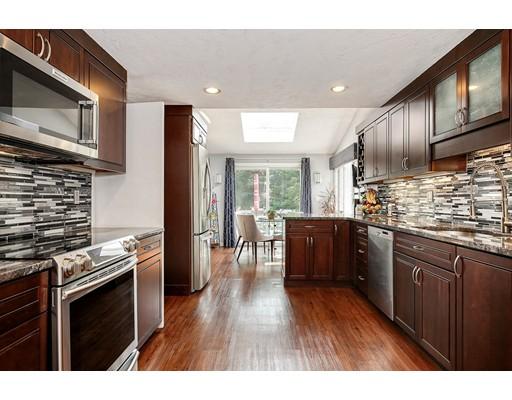 Частный односемейный дом для того Продажа на 25 Training Field Road Wayland, Массачусетс 01778 Соединенные Штаты