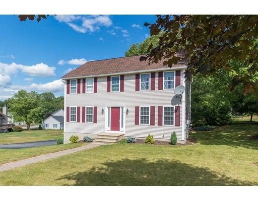 Single Family Home for Sale at 20 Colonial Drive 20 Colonial Drive Clinton, Massachusetts 01510 United States