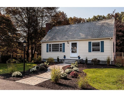 Casa Unifamiliar por un Venta en 95 Arlmont Street Arlington, Massachusetts 02476 Estados Unidos