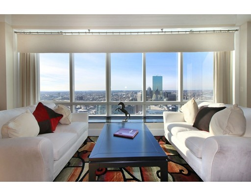Condominio por un Alquiler en 2 Avery Street #PH3C 2 Avery Street #PH3C Boston, Massachusetts 02111 Estados Unidos