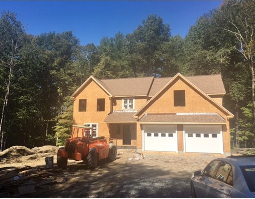 Single Family Home for Sale at 9 Bittersweet Drive Plaistow, New Hampshire 03065 United States