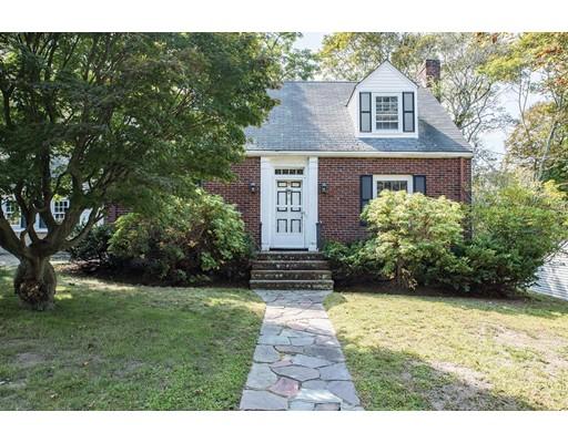 独户住宅 为 销售 在 15 Lucille Place 牛顿, 马萨诸塞州 02464 美国