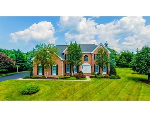 Частный односемейный дом для того Продажа на 24 Cherokee Road 24 Cherokee Road Canton, Массачусетс 02021 Соединенные Штаты