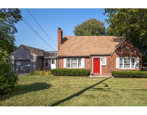 Single Family Home for Sale at 257 Lowell Street 257 Lowell Street Peabody, Massachusetts 01960 United States