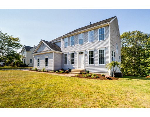 Single Family Home for Sale at 10 Bay Farm Lane Grafton, Massachusetts 01560 United States