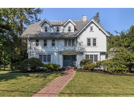 独户住宅 为 销售 在 109 Sargent Street 牛顿, 马萨诸塞州 02458 美国