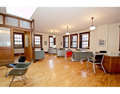 Additional photo for property listing at 685 Centre 685 Centre Boston, Massachusetts 02130 United States