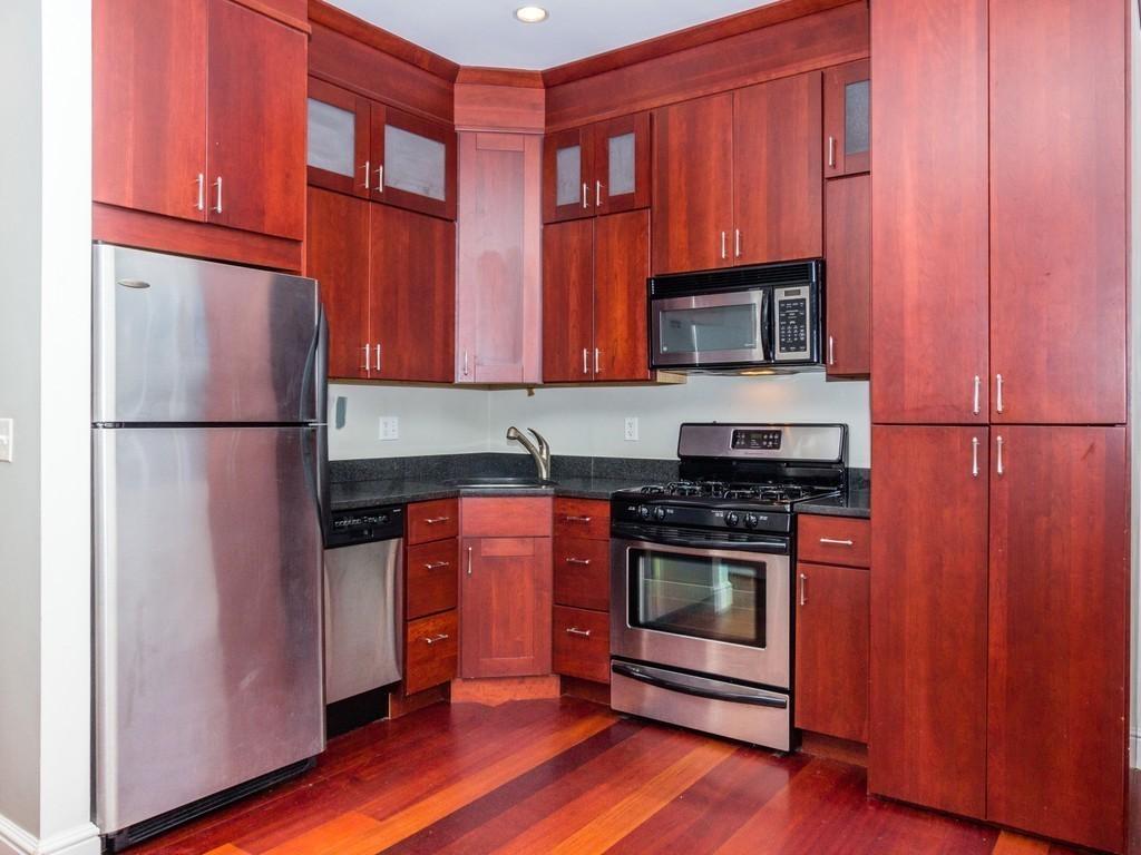 2017 05 kitchen cabinets north of boston - 135 Salem St 7 North End Boston Ma 02113