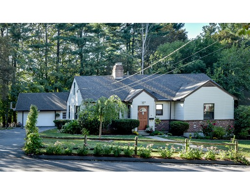 Single Family Home for Sale at 30 Farwell Street Natick, Massachusetts 01760 United States