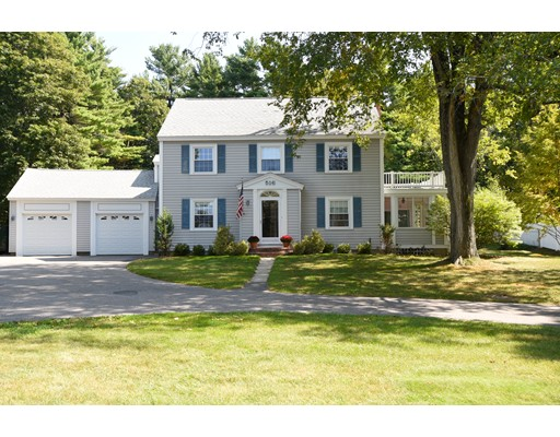 独户住宅 为 销售 在 516 Mattakeesett Street 516 Mattakeesett Street 彭布罗克, 马萨诸塞州 02359 美国