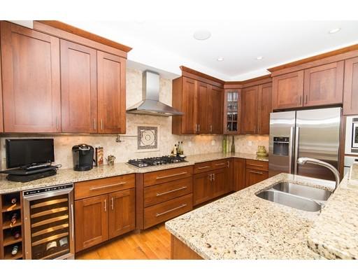Appartement en copropriété pour l Vente à 168 Medway Street #5 Providence, Rhode Island 02906 États-Unis