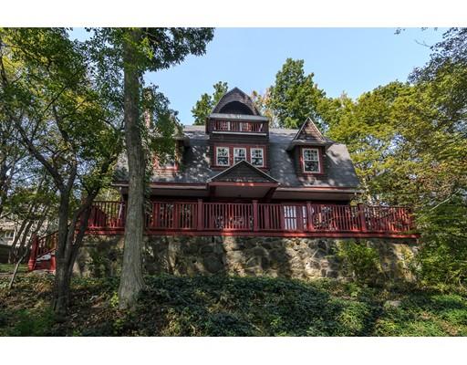 Maison unifamiliale pour l Vente à 24 Irving Street Arlington, Massachusetts 02476 États-Unis