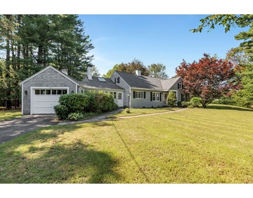 Single Family Home for Sale at 716 Main Street Boxford, Massachusetts 01921 United States