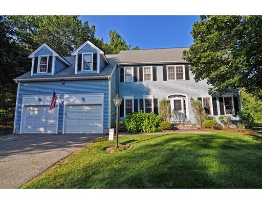 Single Family Home for Sale at 490 Commonwealth Road Natick, Massachusetts 01760 United States