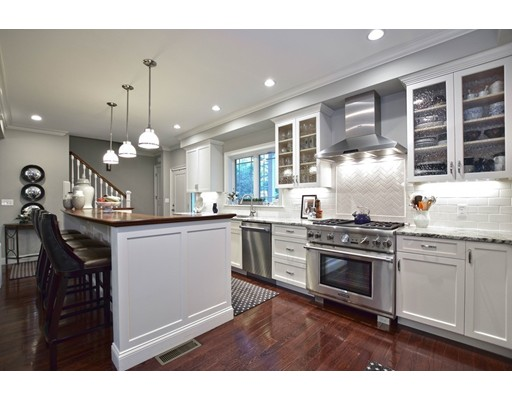 Single Family Home for Sale at 45 Woodside Drive 45 Woodside Drive Milton, Massachusetts 02186 United States