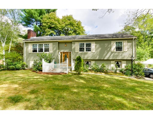 Single Family Home for Sale at 84 Howard Street Northborough, Massachusetts 01532 United States