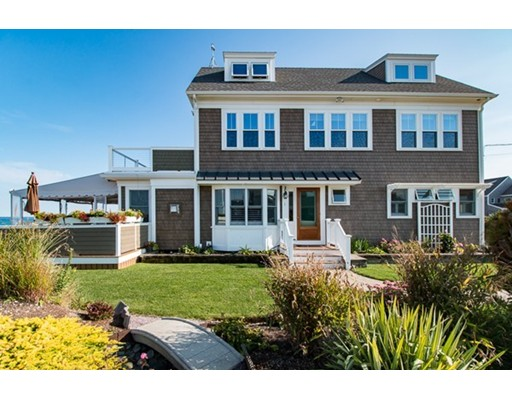 Maison unifamiliale pour l Vente à 1 Atlantic Street Marshfield, Massachusetts 02050 États-Unis