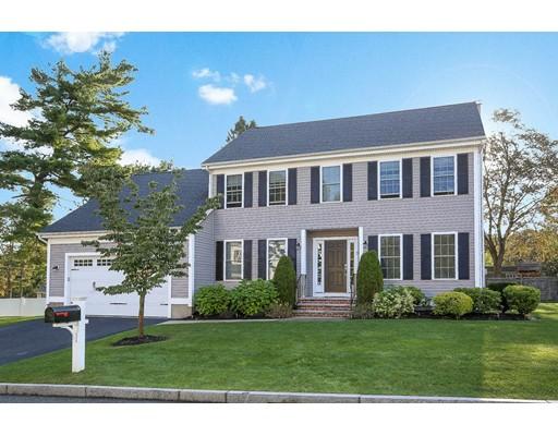Частный односемейный дом для того Продажа на 3 Montrose School Lane 3 Montrose School Lane Wakefield, Массачусетс 01880 Соединенные Штаты