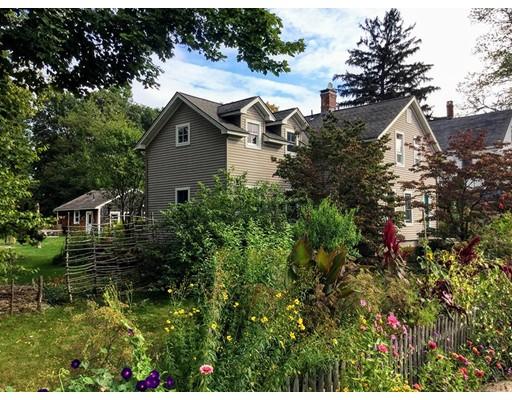 独户住宅 为 销售 在 27 Clark Street Easthampton, 马萨诸塞州 01027 美国