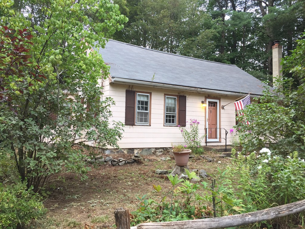 Property for sale at 8 Pentucket Ave, Georgetown,  Massachusetts 01833