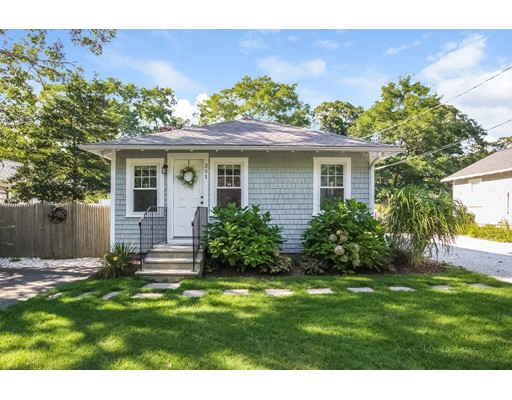 251 Old Craigville Rd, Barnstable, MA 02601