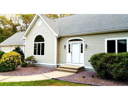 Single Family Home for Sale at 95 Cliffwood Lane Falmouth, Massachusetts 02540 United States