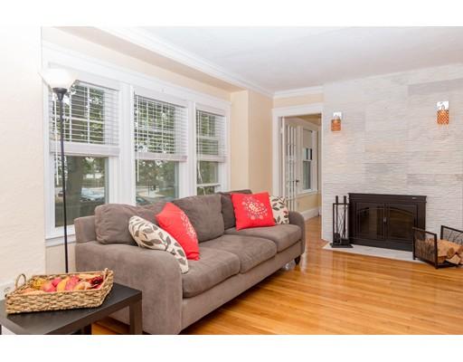 共管式独立产权公寓 为 销售 在 182 E Side Pkwy 牛顿, 马萨诸塞州 02458 美国