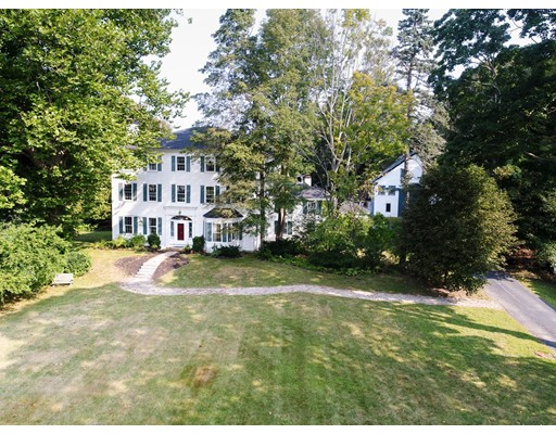 واحد منزل الأسرة للـ Sale في 93 Main Street 93 Main Street Topsfield, Massachusetts 01983 United States