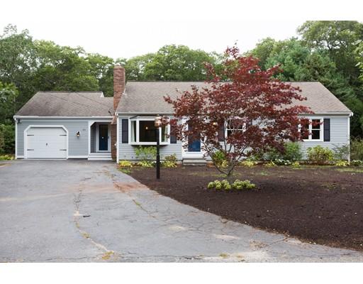 Casa Unifamiliar por un Venta en 151 Sturbridge Drive 151 Sturbridge Drive Barnstable, Massachusetts 02655 Estados Unidos