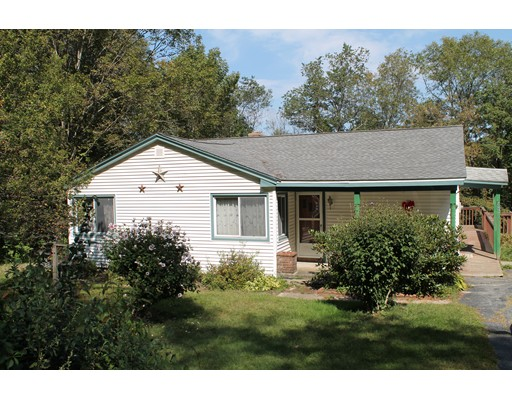 Single Family Home for Sale at 204 Southbridge Road Dudley, Massachusetts 01571 United States