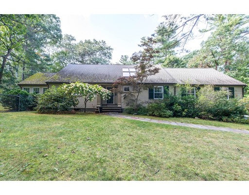 Single Family Home for Sale at 621 Wellesley Street Weston, Massachusetts 02493 United States