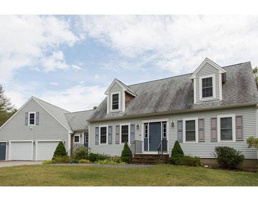 Single Family Home for Sale at 35 Valley Street 35 Valley Street Pembroke, Massachusetts 02359 United States