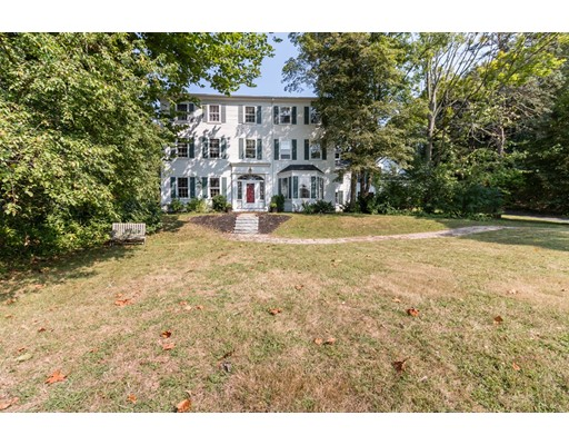 متعددة للعائلات الرئيسية للـ Sale في 93 Main Street 93 Main Street Topsfield, Massachusetts 01983 United States