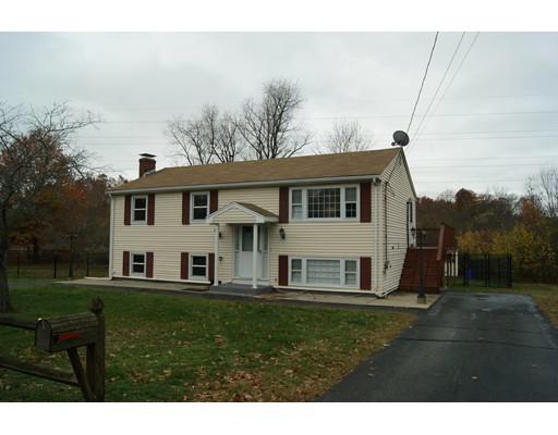 Casa Unifamiliar por un Alquiler en 10 Brae Road Attleboro, Massachusetts 02703 Estados Unidos
