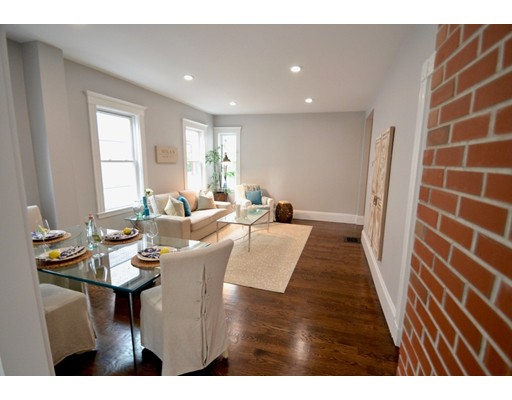 Condominio por un Venta en 109 Josephine Avenue 109 Josephine Avenue Somerville, Massachusetts 02144 Estados Unidos